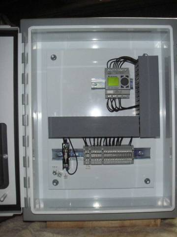 PLC program sorts products. Custom engineered PLC sort control system. PLC sorting control. Allen Bradley PLC program example